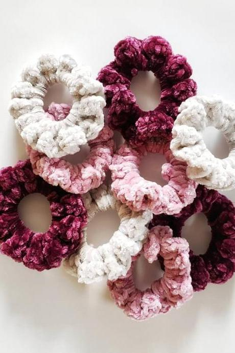 Tanner Velvet Scrunchie Crochet Pattern - Digital Download - Crochet Pattern - PDF Download